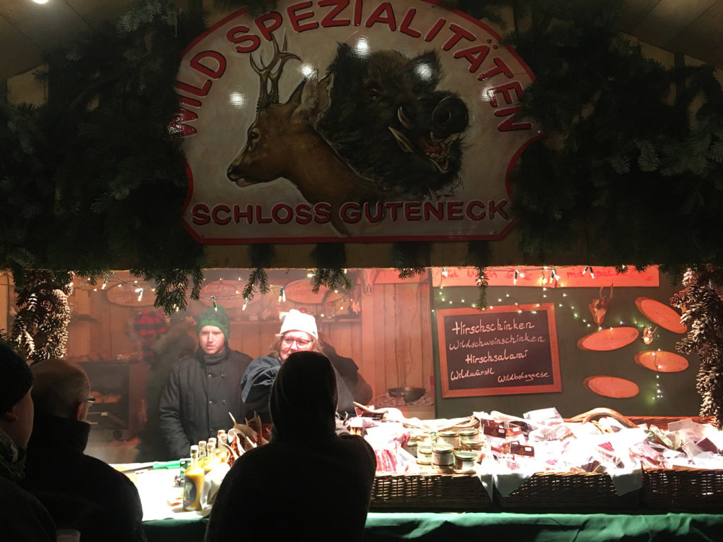 Be sure to stop by this stand at the Schloss Guteneck Christmas Market for warm goulash!