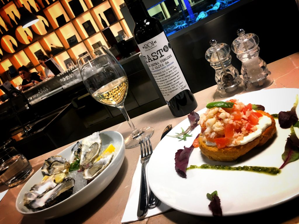 Treat yourself to amazing oysters and wine at FICO Eataly World!