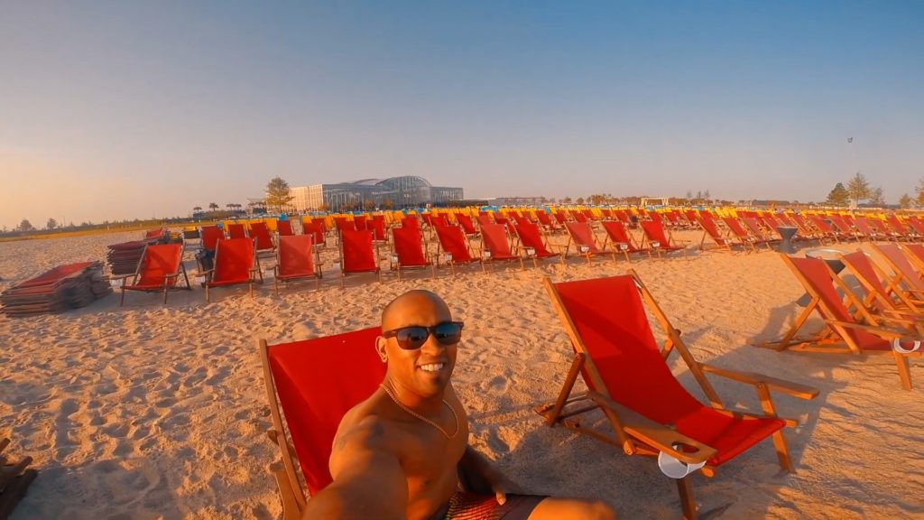 There's plenty of space on the beach at Therme Bucharest!