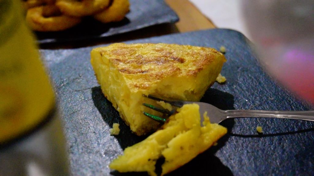 The Spanish tortilla de patatas (also known as a Spanish omeltte) consists of potatoes, egg, and onions. Simple yet so delicious!