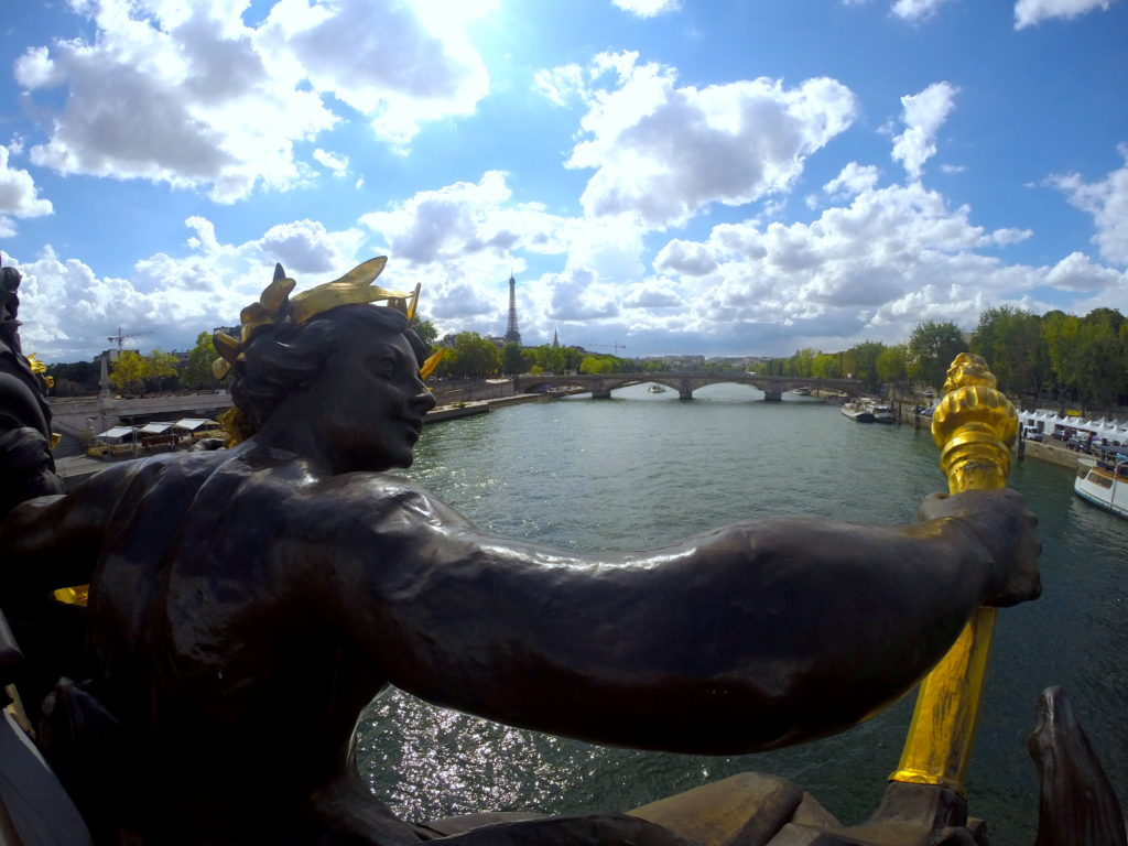 Walk from the Champs-Élysées to Les Invalides over Port Alexandre III!