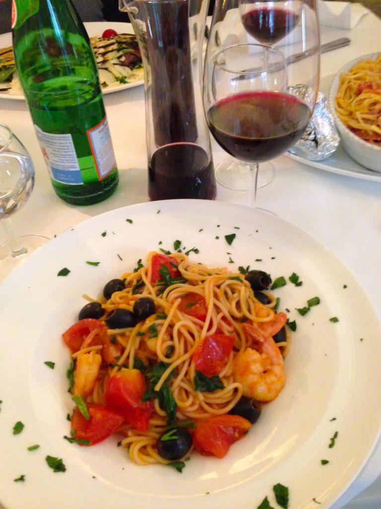 La Vita spaghetti and shrimp dish in Weiden