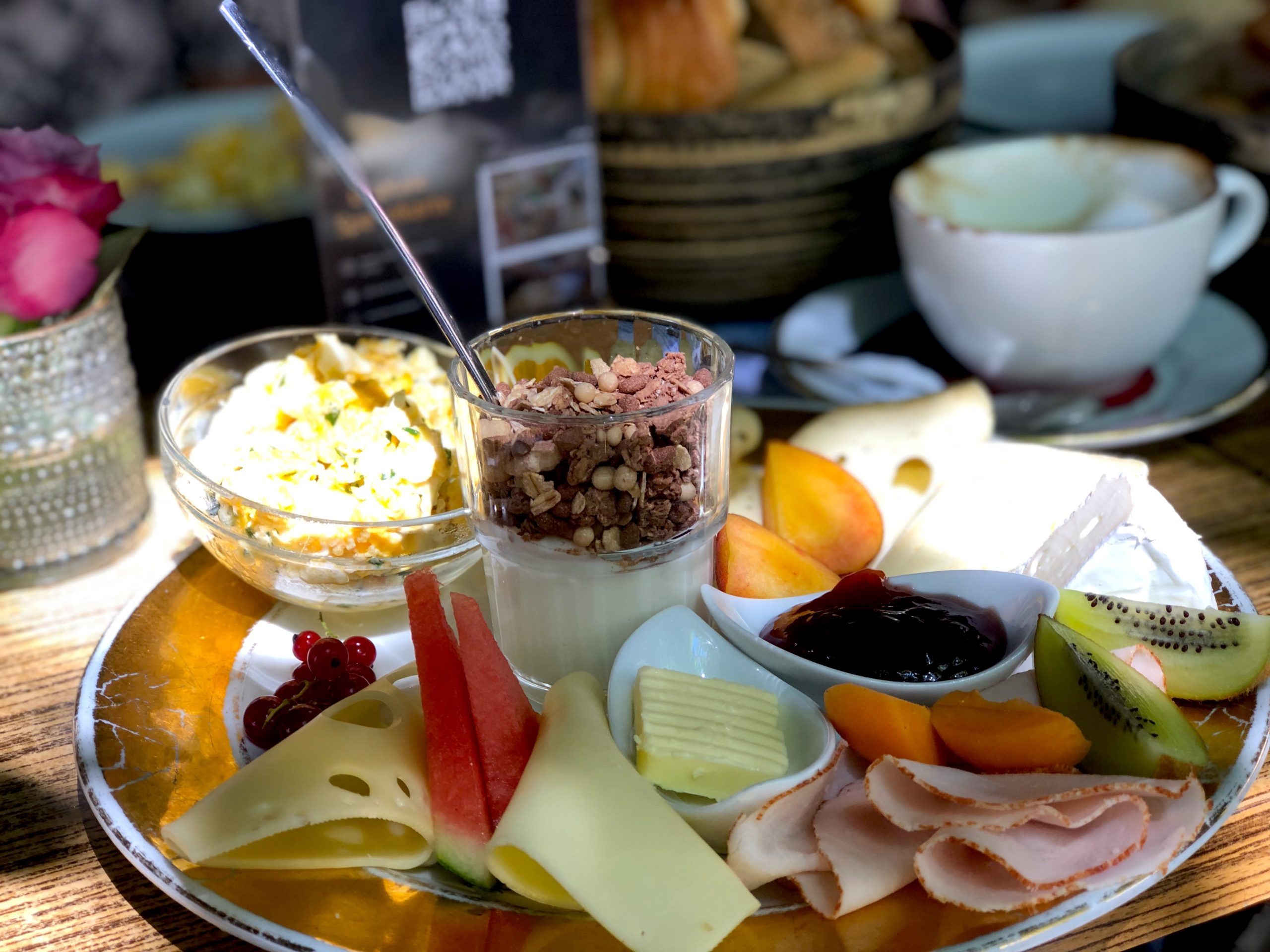 Weiden restaurants include gourmet breakfast plates like this platter at Le Pére