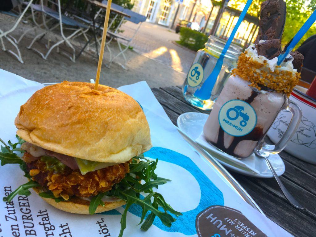 Fried Chicken burger and milkshake at Max + Muh restaurant