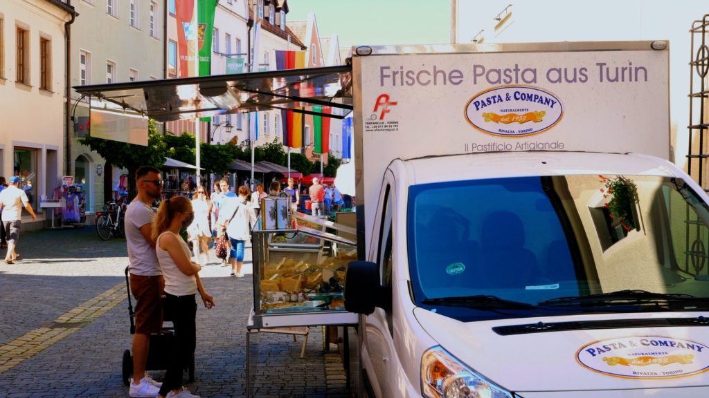 Pasta and Company fresh pasta food truck. Get fresh pasta from Turin and homemade pasta sauce at the weiden farmers market