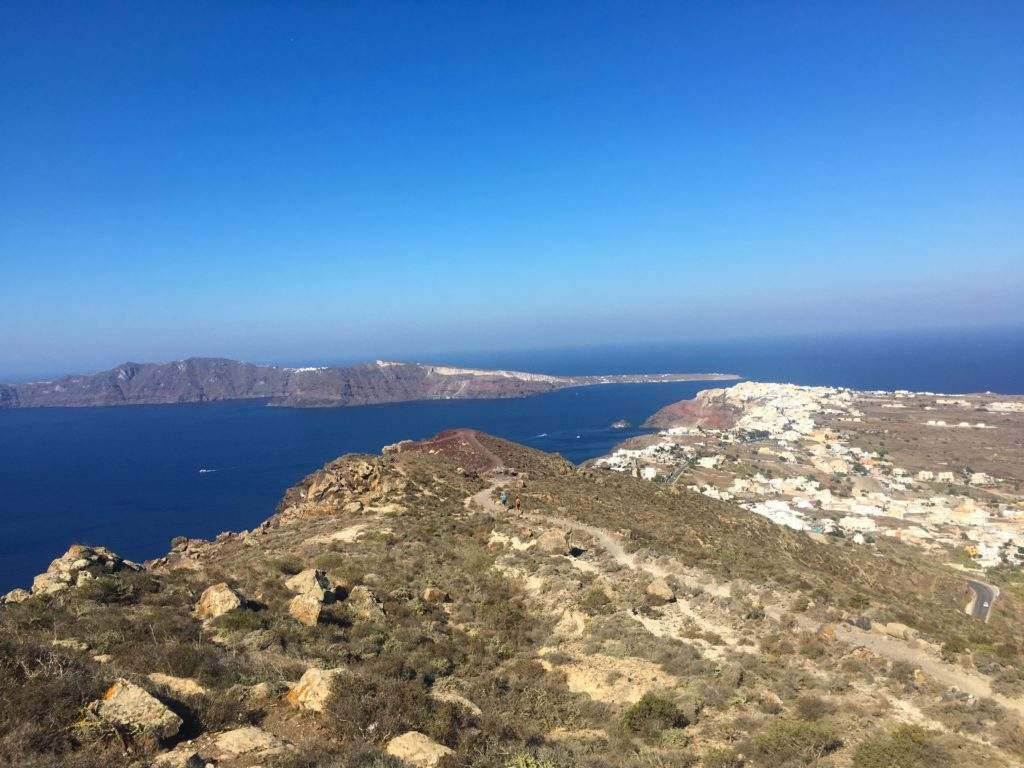 Walking trails along the cliffs of Santorini