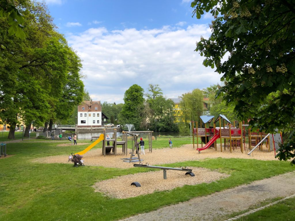 Kids playing outside in the Grafenwoehr Park