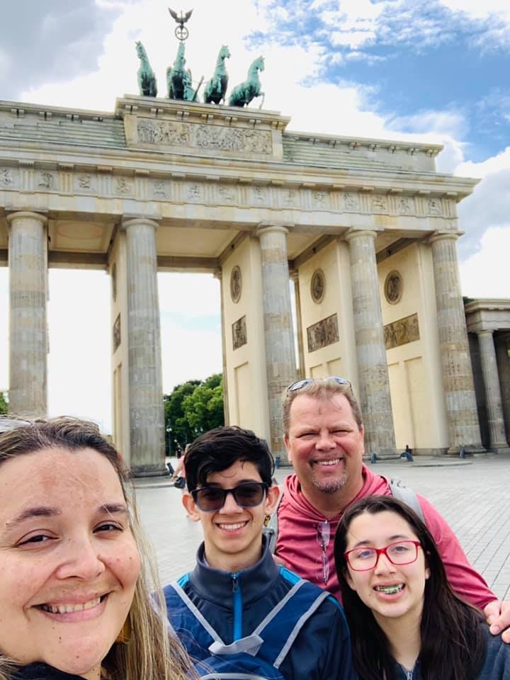 Rozanski family vacation to Berlin in front of the brandenburg gate